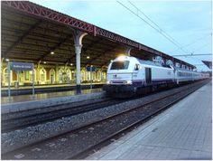 Estación de Medina del Campo. ADIF.  Imágenes en Medina del Campo de la locomotora 334, y de coches 9000 y 10000 RENFE Operadora.
