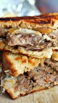 "Philly Steak Grilled Cheese----""I cut a rump roast into slices and covered with garlic, montreal steak seasoning, salt & pepper and baked at 300 for hours covered in foil. Everyone approved:)"" ~Previous pinner Grilled Cheese Recipes, Beef Recipes, Cooking Recipes, Grilled Cheeses, Grilling Recipes, Vegetarian Grilling, Healthy Grilling, Steak And Cheese Panini Recipe, Barbecue Recipes"
