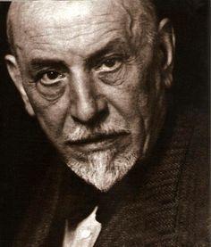 Luigi Pirandello - drammaturgo, scrittore e poeta siciliano - Premio Nobel per la letteratura nel 1934.
