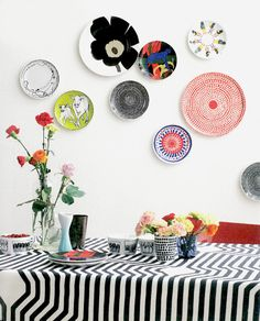 I am loving everything about Marimekko ! Marimekko Corporation is a leading Finnish textile and clothing design company. The company desi. Plate Collage, Plate Art, Wall Collage, Wall Art, Wall Décor, Hanging Plates, Plates On Wall, Painted Plates, Plate Wall Decor