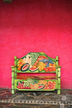Pink-wall-and-a-colorful-fruit-bench-in-Cabo-San-Lucas-Mexico-02.jpg 600×900 pixels