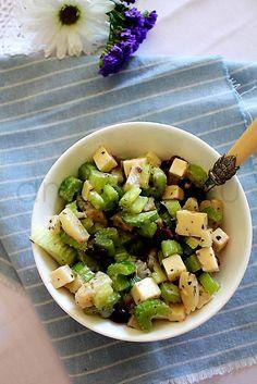 Salatka z selerem i serem