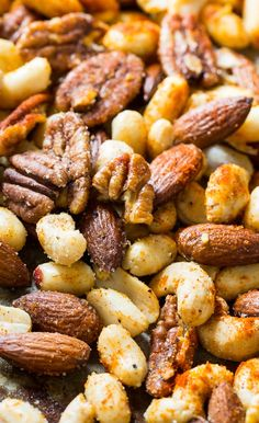Cajun Nuts - make a great party snack or holiday appetizer. Flavored with plenty of spices, some sugar, and a little bacon grease! Nut Recipes, Spicy Recipes, Appetizer Recipes, Cooking Recipes, Healthy Recipes, Holiday Appetizers, Party Appetizers, Cajun Appetizers, Smoker Recipes