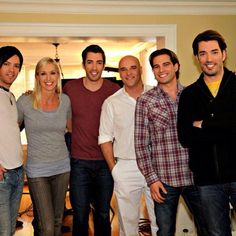 Pin for Later: Surprise – These HGTV Hosts Are Friends in Real Life! JD Scott, Drew Scott, Scott McGillivray, and Jonathan Scott Scott McGillivray smiled big when he got to hang out with all three Scott brothers, JD, Drew, and Jonathan, as well as a couple other pals!