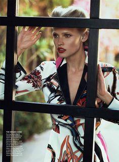 Lara Stone & Frida Gustavsson by Peter Lindbergh for <i>Vogue US</i> July 2011
