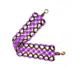 Free Pattern For Bracelet Harper | Beads Magic  1  granos de la semilla 11/0  tallados de 3 mm (negro)  tallados de la mano de 4-6 mm (púrpura)  Comience con 2 agujas