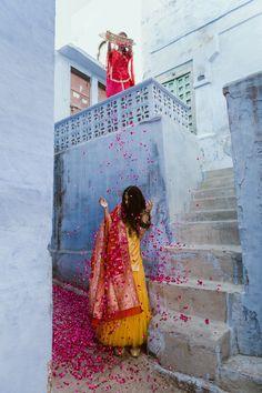 Mango yellow sharara and kurta set with a beautiful red banarasi dupatta! Cute Girl Poses, Girl Photo Poses, Girl Photos, Girl Pictures, Indian Photoshoot, Bridal Photoshoot, Wedding Photography Poses, Creative Photography, Profile Picture For Girls