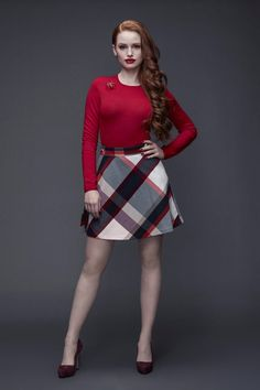 How to make your own DIY Cheryl Blossom costume from Riverdale. How to dress like Cheryl Blossom. Cheryl Blossom fashion and style Cheryl Blossom Riverdale, Riverdale Cheryl, Riverdale Cast, Riverdale Quiz, Riverdale 2017, Cheryl Blossom Aesthetic, Blossom Costumes, Camila Mendes Riverdale, Rosa Rock