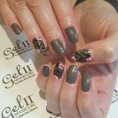 #nails #naildesign #nailart #flowers #grey