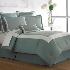 Classic Collection, Teal comforter | on blanketamerica.com