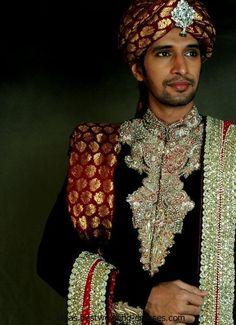 http://ideas.bestwedding-dresses.com/wp-content/uploads/2012/08/Latest-Mens-Sherwani-By-Aeisha-Varsey-2.jpg