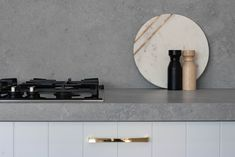 4044 Airy Concrete™ by Caesarstone Concrete Kitchen, Concrete Countertops, Kitchen Tiles, Kitchen Cabinets, Concrete Cost, White Concrete, Kitchen Ideas 2018, Kitchen Benchtops, Bathroom Design Small