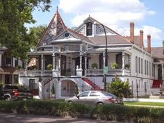 A beautiful house on Esplanade Avenue.  This isn't our house.  La Belle Esplanade Bed and Breakfast: We Live on a Beautiful Street in New Orleans