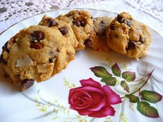 SPLENDID LOW-CARBING BY JENNIFER ELOFF: ALMOND CHOCOLATE CHIP COOKIES