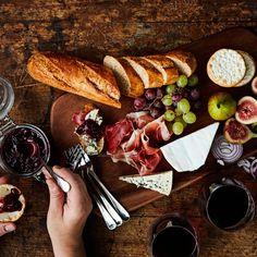 Itsenäisyyspäivän jälkiruoka kruunaa juhlan   Yhteishyvä Food And Drink, Dairy, Cheese, Recipes, Recipies, Ripped Recipes, Recipe, Cooking Recipes