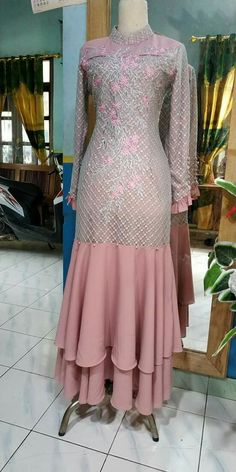 Gaun Dress, Dress Brokat, Abaya Fashion, Muslim Fashion, Fashion Dresses, Desi Wedding Dresses, Stylish Dresses For Girls, Indian Gowns Dresses, Girl Dress Patterns