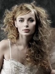 Tease your new perm to achieve sexy messy volume New Perm, Spiral Curls, Permed Hairstyles, Hair Beauty, Stylists, Hair Styles, Sexy, Perms, Heavenly