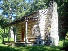 Westminster Maryland Online: Enjoying a view of a log cabin on a walk in Hashawha #CarrollCo Md http://kevindayhoffwestgov-net.blogspot.com/2013/08/enjoying-view-of-log-cabin-on-walk-in.html