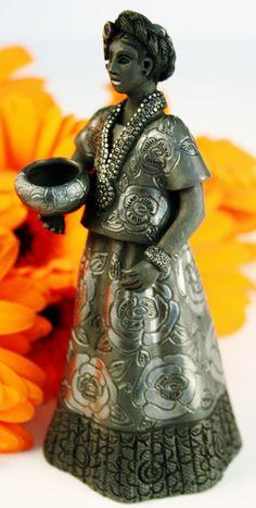 Oaxaca Black Pottery Small Tehuana Woman Magdalena Pedro Martinez