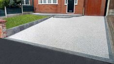 We are Manchester's Premier Installer of Resin Driveways, with the UK's largest indoor resin driveway showroom. Half Price Installation Offer Now On. Block Paving Driveway, Permeable Driveway, Resin Driveway, Resin Patio, Driveway Landscaping, Front Garden Ideas Driveway, Modern Driveway, Driveway Design, Fence Ideas