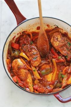 Poulet aux poivrons, oignons et tomates Chicken breast with peppers, onions and tomatoes. Stuffing Recipes, Turkey Recipes, Meat Recipes, Chicken Recipes, Dinner Recipes, Cooking Recipes, Healthy Recipes, Rice Recipes, Healthy Food