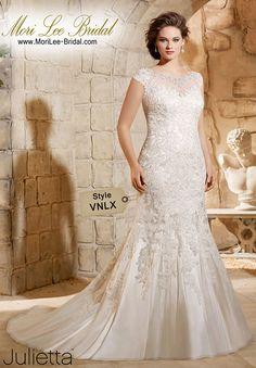 Style VNLX / Colors Available: White/Silver  • Ivory/Silver  • Light Gold/Silver /  Precio: $5.705.100 Pesos Colombianos* $2.113 Dólares Americanos