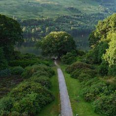 La melodía de seducción es dulce. Todas lo son. Los paisajes espejo, en www.claudiacasanova.net
