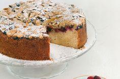 עוגת פירות יער ופירורים (צילום וסגנון: נטלי לוין)