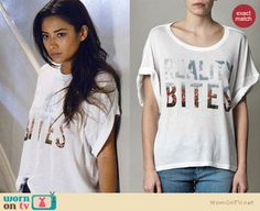 """Emily's """"Reality Bites"""" tshirt on Pretty Little Liars.  Outfit details: http://wornontv.net/17011/"""