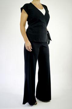 Zune verão!  Se ajusta conforme as mudanças do corpo, tecido macio que respeita a pele do bebê! :)  E Esta é a calça Nesga que è super confortável, não tem elásticos na frente e fica lindaa nas gestantes ♥  Venha! : http://www.criandogente.com.br/calca-nesga.html  #gestante #enxoval #maternidade #CalçaGestante #BlusaAmamentação #RoupasAmamentação