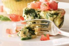 mini florentine frittatas Bruschetta Toppings, Tomato Bruschetta, Quick Weeknight Dinners, Creamed Spinach, Egg Whisk, Side Salad, Frittata, The Fresh, Brunch
