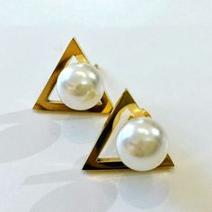 Earring By Vila Veloni Gold Triangle And Pearls