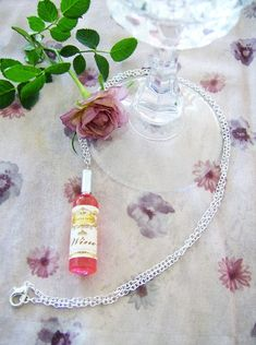 Rose' wine bottle pendant necklace wine by SparkleandComfort Handmade Jewelry, Unique Jewelry, Handmade Gifts, Keepsakes, Wine Tasting, Alcoholic Drinks, Pendant Necklace, Bottle, Glass