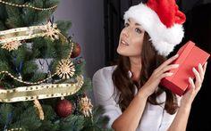 Idei de cadouri pentru EA - COSMETICE | Cashback Shopping Christmas Wreaths, Crown, Shopping, Holiday Decor, Fashion, Moda, Corona, Fashion Styles, Fasion