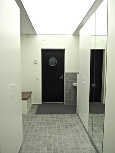 Koti rakennetaan tunteella: Vinkki! Arkieteinen Bathroom Lighting, Bathtub, Mirror, House, Furniture, Home Decor, Ideas, Bathroom Light Fittings, Standing Bath