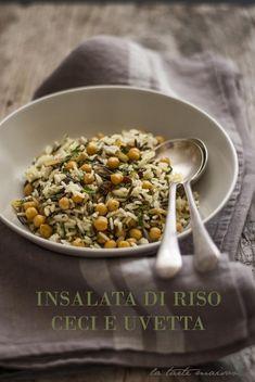 Salad of wild rice, chickpeas and raisins