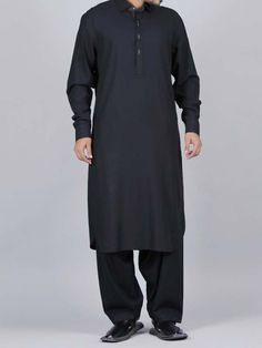 Here is the latest Pakistani men kurta shalwar kameez designs by top Pakistani designers. All of latest men kurta design for men are shown with pictures. Black Suit Wedding, Gents Kurta, Latest Fashion, Mens Fashion, Kurta Designs, Shalwar Kameez, Black Suits, Pakistani Dresses, Men Dress