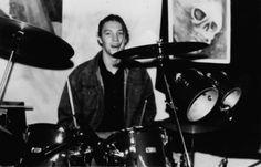 Październik, fot. Dariusz Tkaczyk Drums, Music Instruments, Punk, Musical Instruments, Drum Sets, Drum, Drum Kit