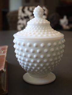 This Vintage Fenton Hobnail Candy Jar looks as if it were made yesterday. Candy Buffet, Candy Dishes, 1950s Candy, Glass Candy Jars, Fenton Milk Glass, Snack Containers, Westmoreland Glass, Pink Milk, Carnival Glass