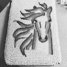 No photo description available. Native Beading Patterns, Beadwork Designs, Native Beadwork, Native American Beadwork, Beaded Jewelry Patterns, Peyote Patterns, Sewing Patterns, Indian Beadwork, Loom Patterns