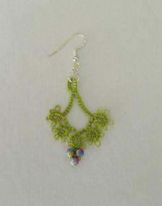 Jewelry: 'Floret' Tatted earrings