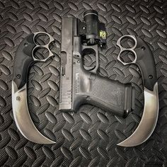 Ready !!!! Prescription custom D2 steel, G10 handle. #bastinelliknives #bastinellidesign #bastinellicreations #knives #blade #tacticalknives #funkertactical #knifecommunity #knivesreligion #weapons #tools #bladeshow #knifemaker #coutelier #coutellerie #edcknife #everydaycarry #tacticalart #glock @glockinc @glockfeed @streamlightinc #prescriptionblade
