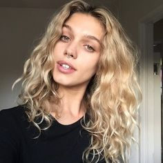 Image could contain: 1 person The Effective Pictures We Offer You About cool blonde curly hair A qua Curly Hair Styles, Natural Hair Styles, Blonde Curly Hair Natural, Lob Curly Hair, Thin Wavy Hair, Updo Curly, Blonde Curls, Hair Bangs, Pretty Hairstyles