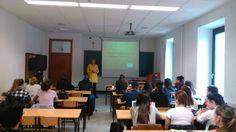 Impartiendo clase de Turismo Sostenible en el 4º curso del grado de Turismo de la Universidad de #Deusto
