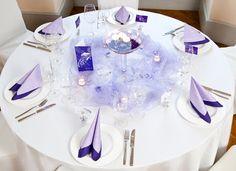 Unsere Hochzeitsdeko in Lila haben wir für #Rundtische und Hocheitstafeln vorbereitet: meine-hochzeitsdeko.de