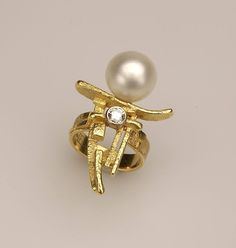 Ring: South Sea Pearl, Gold 750/000 and Diamond. #borghesi.it - #veronaforever… WOMEN'S FINE BRACELETS - http://amzn.to/2ikysTF