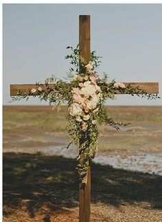 Planner: Posh Petals and Pearls; Photography: Brandon Lata; Wedding Décor & Signs: J Leslie Wedding Decor