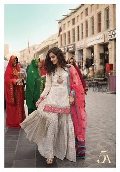 Maria B Lawn Collection 2018 Best Pakistani Designer Summer Dresses Pakistani Dress Design, Pakistani Designers, Pakistani Outfits, Indian Outfits, Pakistan Fashion, India Fashion, Asian Fashion, Women's Fashion, Indian Designer Outfits