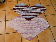 This is part 3 of HEART Crochet Rag Rug.  This shows how to finishes this fun rug.