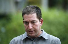 Bloggeren og journalisten i Guardian som publiserte Snowdens lekkeasje, Glenn Greenwald, sier i et intervju at USA bør be på sine knær om at ingenting hender varsleren. Edward Snowden sitter på eksplosiv informasjon om USA, men lot være å offentliggjøre det, ifølge journalisten som først skrev om lekkasjene. (Foto: Sergio Moraes)